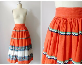 1950s Guatemalan Style Orange White Cotton Skirt   Vintage 50s Ric Rac Print Knee Length Skirt   Women's Clothing Extra Small XS 25 Waist