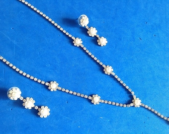 "Vintage! Rhinestone & pearl ""Y"" necklace pierced earring set. Pearl centered flower theme"