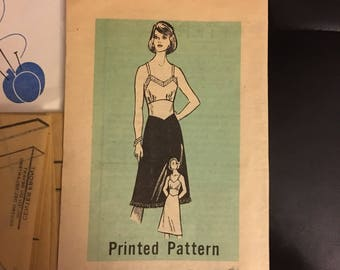 "Slip dress, lingerie sewing pattern mail order 9020 1980's size 14 bust 36"" uncut"