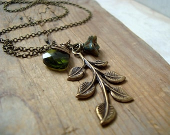 Bronze Leaf Necklace With Olive Crystal Brass Jewelry Vintage Style Fall Fashion Autumn Nature Inspired Woodland Bridal Leaf Jewelry