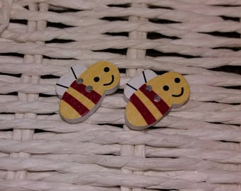 set of 2 cute wooden bee buttons