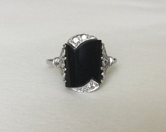 Art Deco diamond and onyx ring 10k white gold