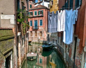 Hanging Laundry Photo, Venice Photography Italy Photograph Canal Wall Art Home Decor Architecture Gondola ven45