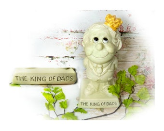 Dad's gift , Fathers day gift , R & W Berries - vintage Russ Berrie - Russ Berry figurine , King of Dads ,  # 5