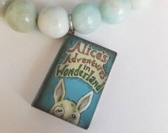 Story Book Beaded Bracelet: Alice in Wonderland