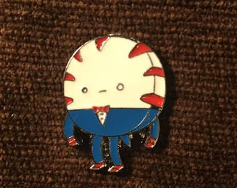 Time pepperment butlur hat pin