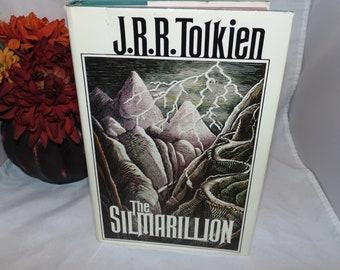 Vintage The Silmarillion J.R.R. Tolkien Book 1st Edition 1st Printing 1977 HCDJ with map