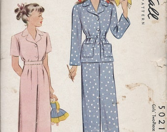 1940's McCall's  No. 5021 :  Girls Two Piece Classic Pajamas  Size 6 Girls