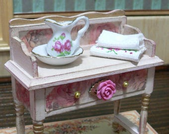 Toilet table with accessories 1:12 dollhouse, furniture in miniature.