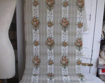 Antique wallpaper (A)