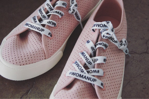 Womanup laces -B/W