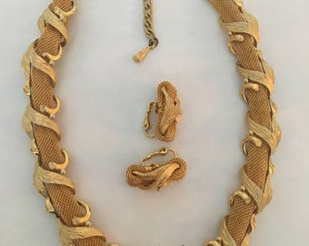 Gold braid Necklace & Earrings