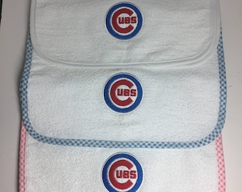 Chicago Cubs Baby burp bib, Chicago Cubs Infant Bib, Baby Burp Bib, Spit Bib, Chicago Cubs Baby Shower Gift, Chicago Cubs Burp Bib