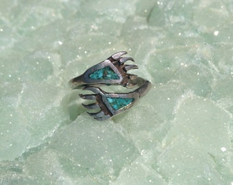 Small Native American Bear Claw Turquoise inlay Ring size 5 - 6 1/2