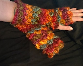 Large/ XL Dragon scale Fingerless gloves, dragon scale, fingerless gloves, gloves, fun gloves, funky gloves, crazy gloves
