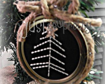 Mason Jar Lid Ornament Christmas Tree Design