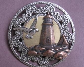 Broche de phare y compris les Mouette et voilier - plaque trois finitions - argent Antique, cuivre Antique, Antique Gold - A BZ Designs Original