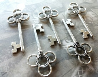 Skeleton keys Steampunk Key Pendants Wedding Skeleton Key Charms 2 pieces 53mm antiqued Silver Skeleton Key