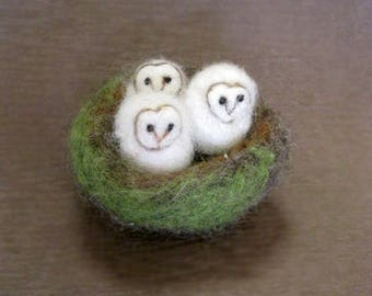 Owls in a nest, needle felted owl, 4 Bird Nest, baby owls, miniatures, Barn Owl, Felted toy, needle felted animal, made to order