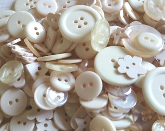 Cream Buttons - Sewing Bulk Button - Beige Tan - 100 Buttons - Tropical Pearl