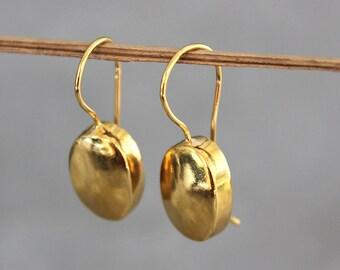 Gold earrings, oval earrings, gold dangle earrings, gold drop earrings, classic jewelry.