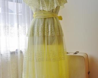 lemonade dress ~ vintage 70s pale yellow lace dress
