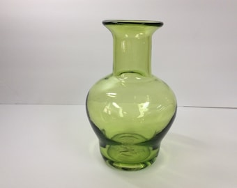 Blenko Glass 9604 vase, kiwi green