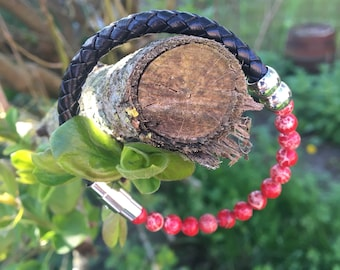 Bracelets in leather with beads of reality