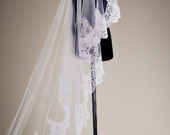 Floor/Chapel length Bridal Veil - Elegant and Royal Luxurious, with a 15cm width lace edge