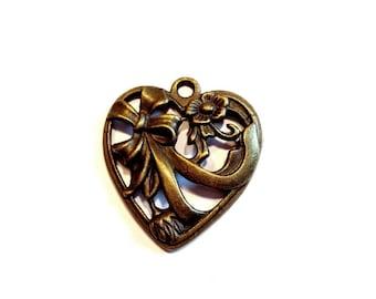 Spirit ART NOUVEAU, floral decor and knot heart pendant charm, bronze antique 3.5 cm