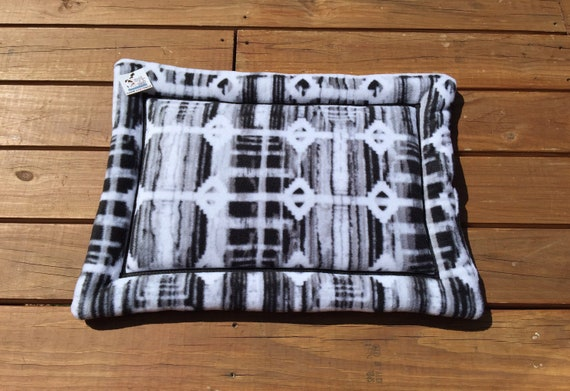 Black White Southwestern Dog Bed, Cat Carrier Pad, Puppy Bed, Small Crate Pad, Aztec Grey Fleece, Dog Crate Pad, Western Decor, Cat Bed