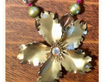 Golden Goddess Vintage Floral Necklace