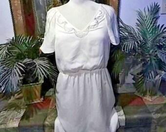 Vintage 1990's Dead Stock PARAELLA Ladies Cream Color knee length dress