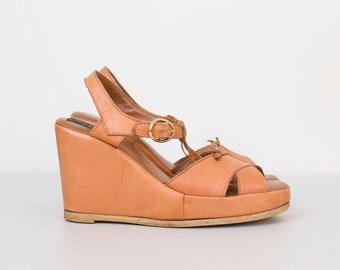 1970s Leather Platform Shoes / 70s Wedge Heels