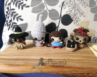 Wizard of Oz SET amigurumi characters- MADE to ORDER- Dorothy and Toto, Cowardly Lion, Tin Man, Scarecrow