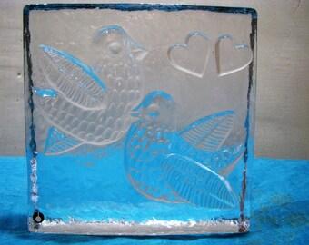 Glasskulptur Pukeberg Glasbruk Sweden – 60er Jahre – m. Label – 2 Vögel & 2 Herzen – signiert SAK – Vintage Glas Skandinavien Paperweight
