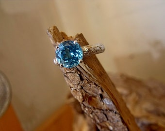 RF689 Sterling Silver Blue Topaz Ring