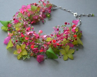 Flower Necklace in Green and Hot Pink, Handmade Beadwork, Trending now, Pink Jewelry, Sequins jewellery, Beaded handmade seed bead