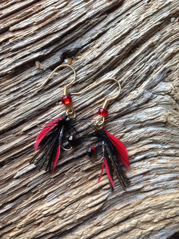 Steelhead fliegen Ohrringe: rote schwarze Fliege Ohrringe