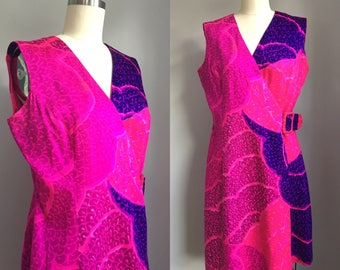 Vintage 1960s Fuchsia Pink and Purple Kahala Hawaiian Wrap Dress Hawaii Size Medium