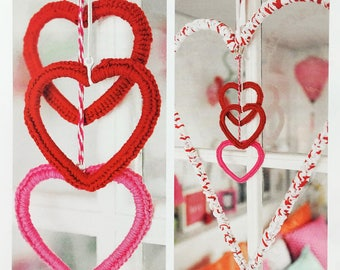Window Hearts Ornament, Knitting Pattern