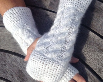 NEW COLOUR - Ladies cream pure cashmere fingerless mittens by Willow Luxury (one size)