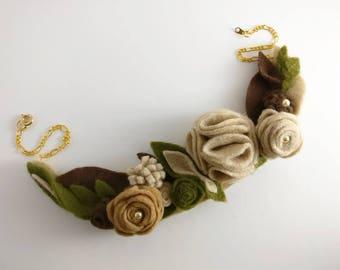 Felt flower necklace, choker necklace, felt necklace, floral necklace, felt flower, felt choker, wool necklace, coral necklace, wool choker