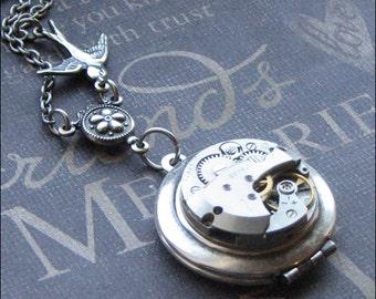 Steampunk Locket Necklace, Round Locket, Vintage Watch Locket, Photo Locket, Steampunk Style, Bird Jewelry, Steampunk Jewelry, GIFT Birthday