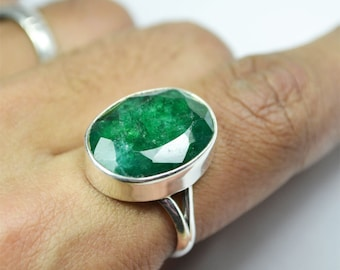 Green Emerald Solitaire Gemstone Ring 7 no US Size May Birthstone Ring 925 Sterling Silver Precious Gemstone Ring, Vintage Ring
