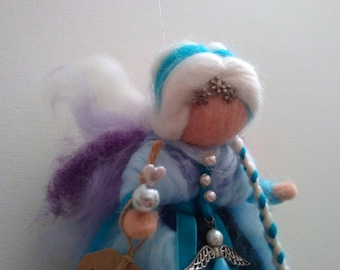 Lure Angeli, carded wool fairy, inspired by Waldorf pedagogy