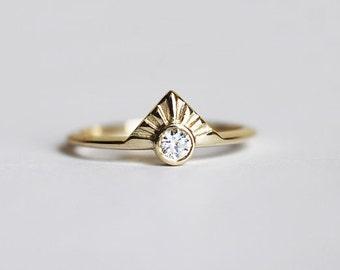 Unique Diamond Ring, Diamond Engagement Ring, Sunrise Diamond Ring, Dainty Diamond Band, Round Diamond Ring, Modern Engagement Ring