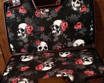 Skull and Roses Gun Box
