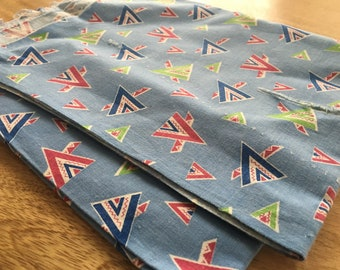 Vintage Feedsack Fabric. Blue Geometric. Very Nice. 1940s