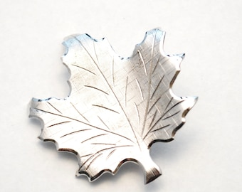 Vintage DANECRAFT Maple Leaf Sterling Brooch - Pin - Silver - Nature